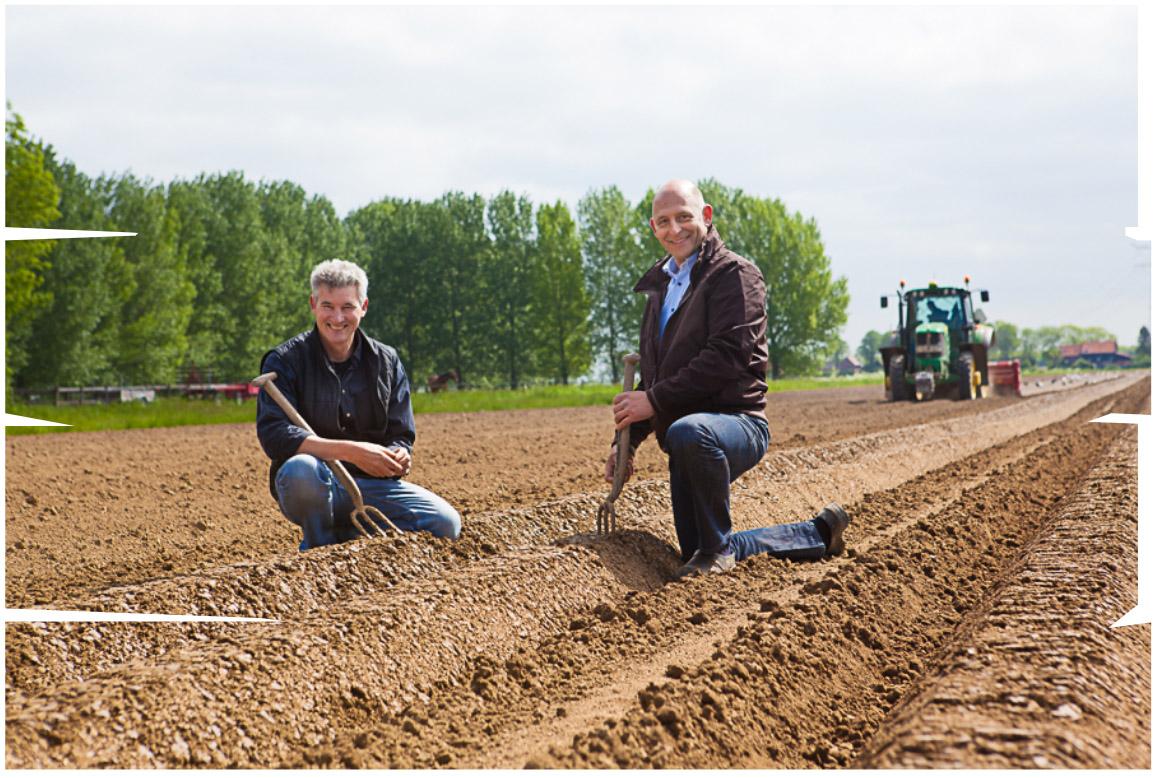 Henk en Rene van Boerderij Chips op het land